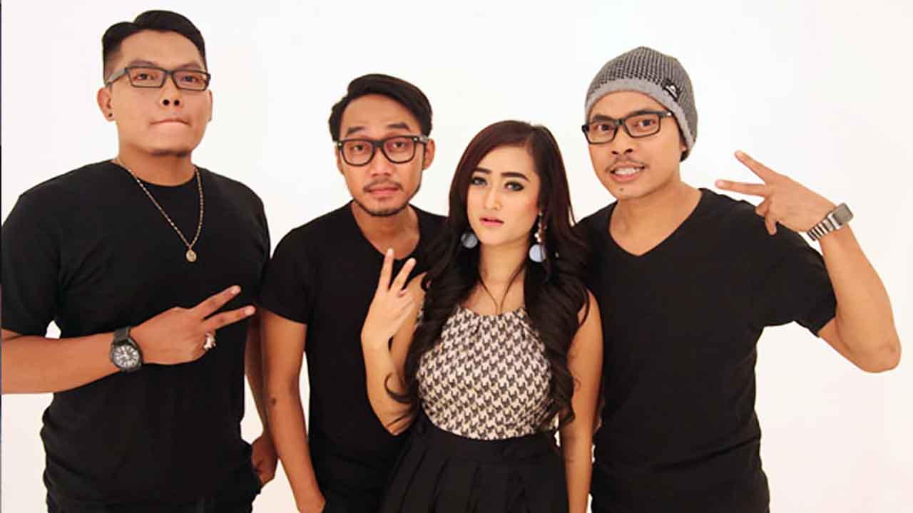 DeRama Band Garap Klip Jangan Bilang Sayang