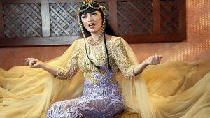 Zaskia Gotik Jadi Cleopatra