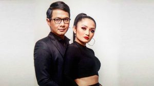 Delon & Siti Badriah Pemotretan Single Cinta Tak Harus Memiliki