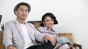 Delon & Siti Badriah Putar Serentak Single Duetnya