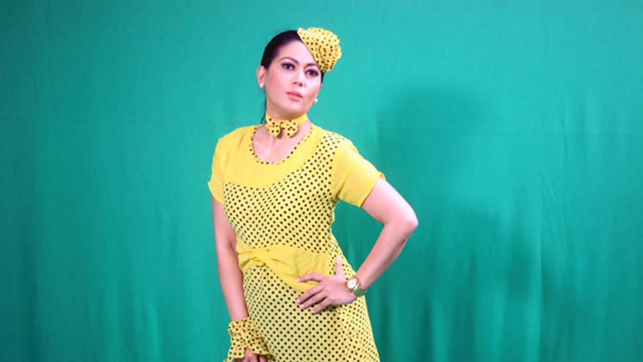 Helsy Herlinda Lain Sinetron Beda di Nyanyi