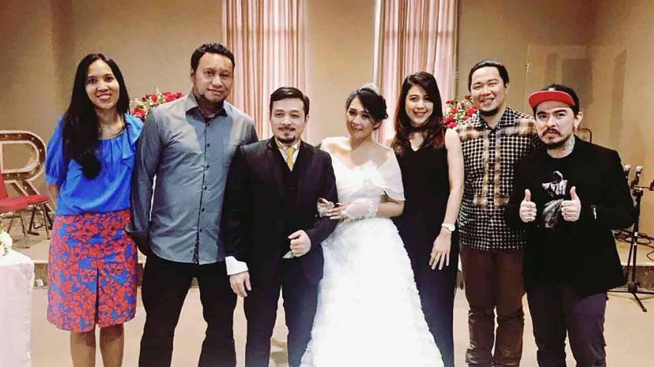 Joe Vokalis Saint Loco Dapat Ucapan Happy Rockin Wedding