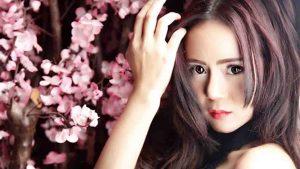 Neng Oshin Dikecewakan Anak Band
