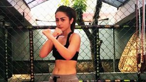 Selvi Kitty Latihan Muay Thai