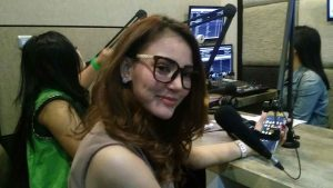 Yessy Bintang Visit Radio Yuhu Ramaikan Dangdut Pagi
