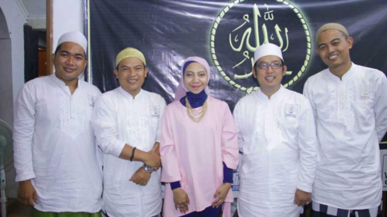 Gemala Silaturahmi Dengan Wali Band