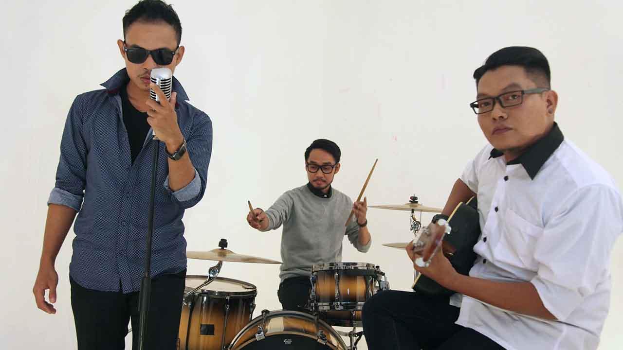 Single Jangan Bilang Sayang DeRama Band di FTV