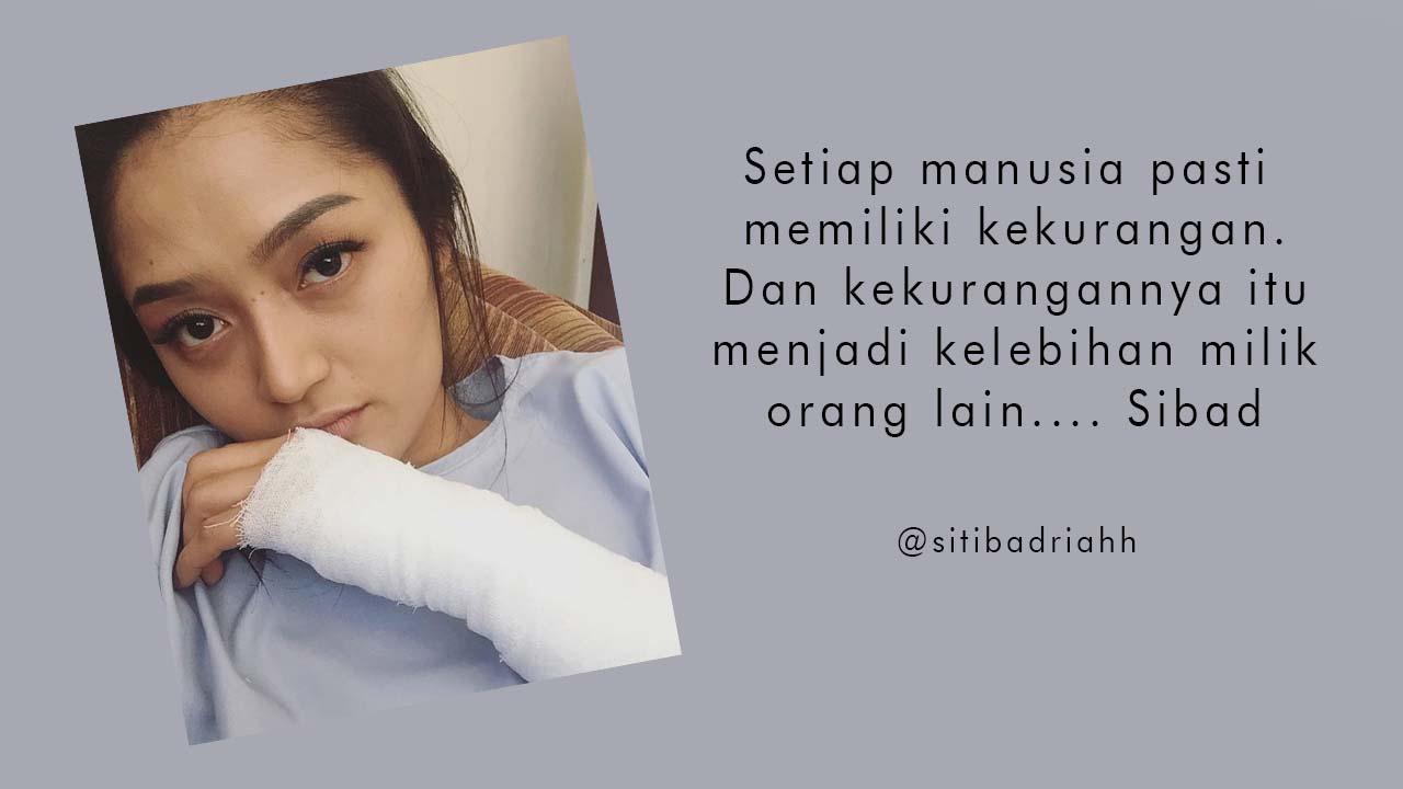 Siti Badriah Tangan Diperban Apakah Sakit?