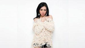 Ucie Sucita Tanggapi Duet Delon dan Siti Badriah