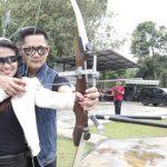 Fitri Carlina Belajar Olah Raga Panahan Bersama Suami