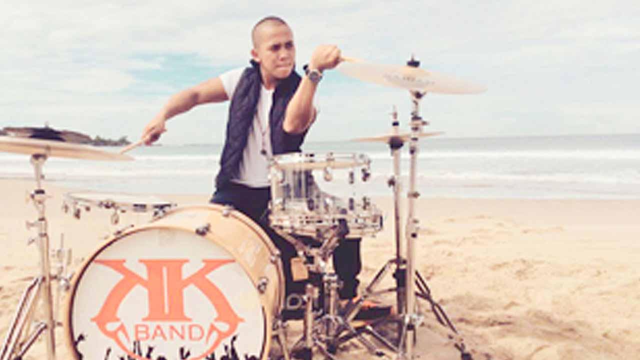 Oki KK Band dan Drum Pemberian Personil Nidji