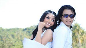 Siti Badrah Mantan Vokalis Kangen Band Jadi Model Klip
