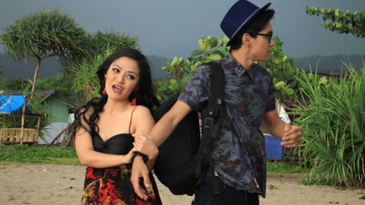 Siti Badriah CLBK Ketemu Mantan