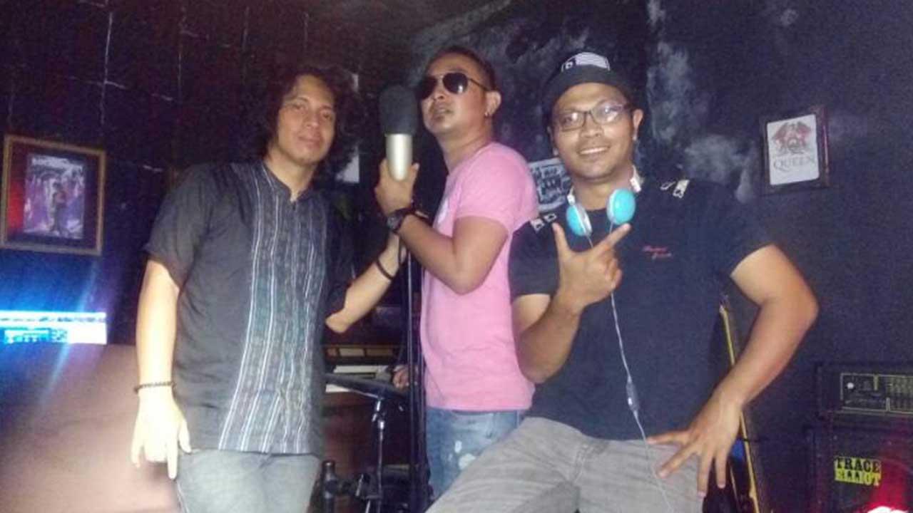 Didukung Rendy Zigaz, Bintang Band Kejar Deadline