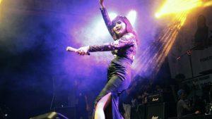Ratu Idola Galau Ting Ting Buat Penonton Loncat-loncat