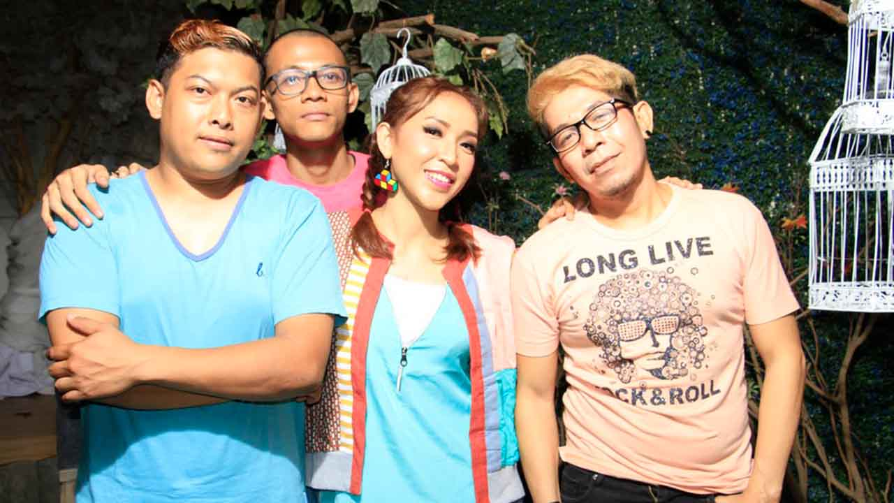 Tika Kristianti Syuting Video Klip Single Inginku