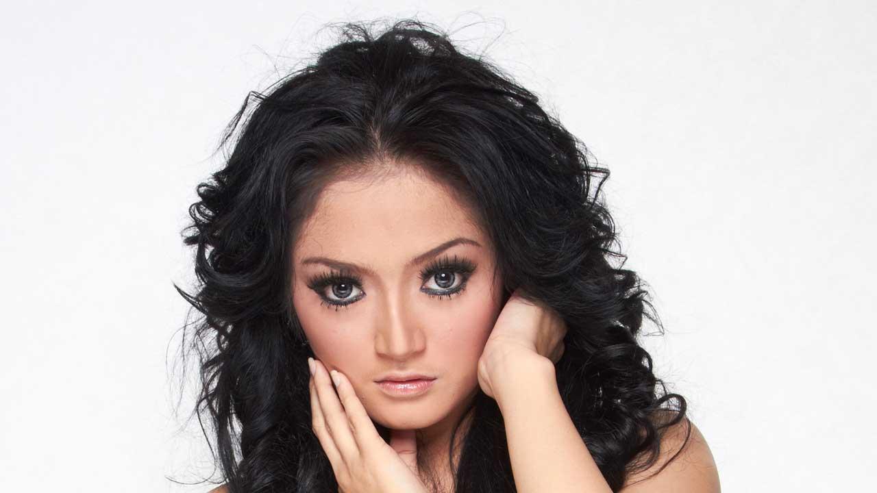 Siti Badriah Ditanya Pengalaman Ketemu Mantan