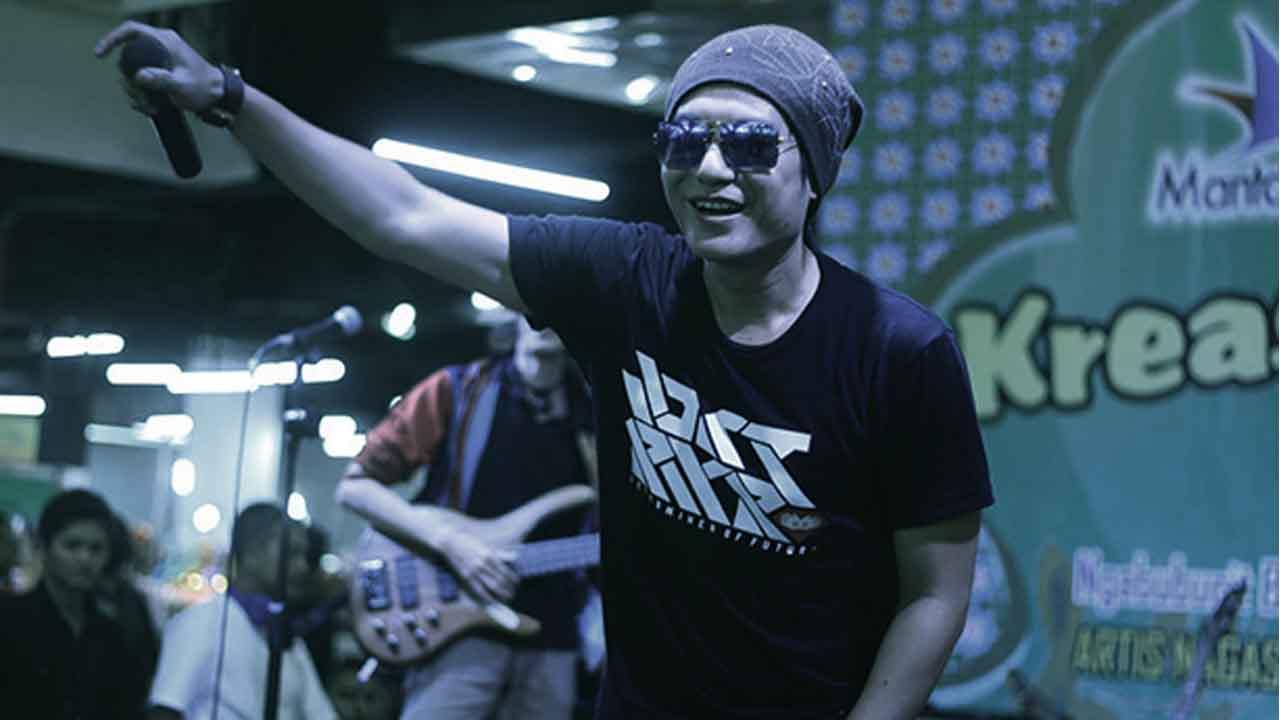 Jaluz Band Meriahkan Acara Kurma Cibinong Mall