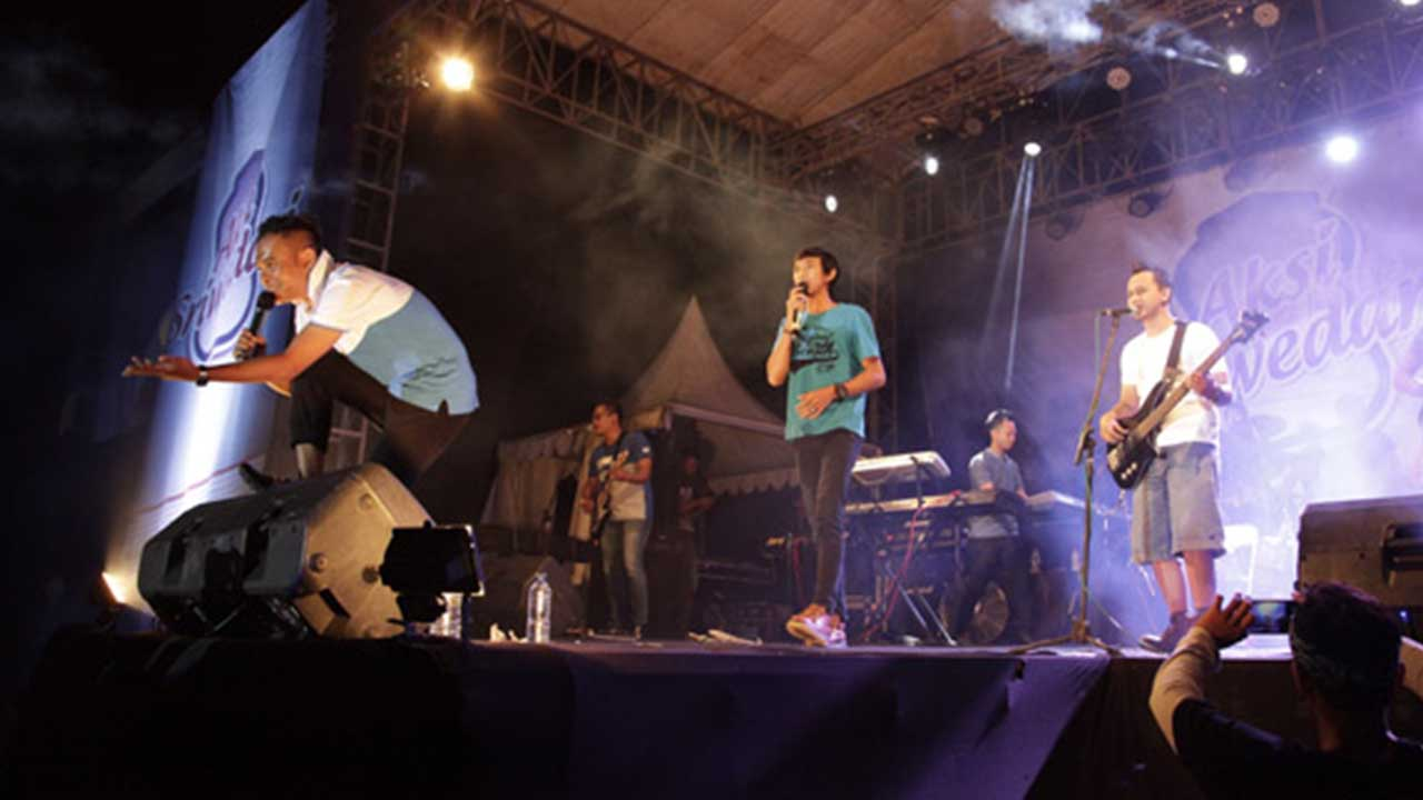 DeRama Band Sikat Single All Segmen