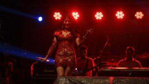 Lina Marlina Menjadi Publik Figur di Panggung Spekta Merah