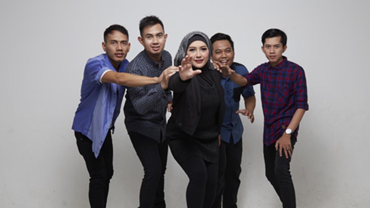 Merpati Band Tampil Bareng di Aksi Sriwedari Lampung