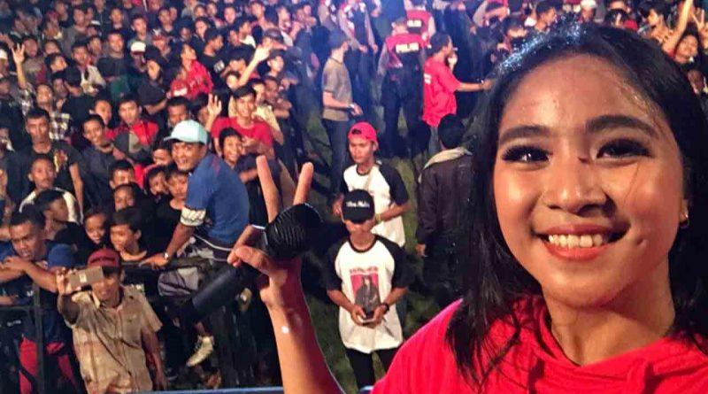Nini Caramel Beraksi di Spekta Merah Pemalang Jawa Tengah