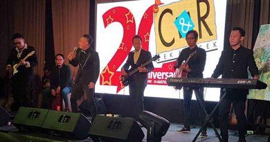 DeRama Band Meriahkan HUT Media Hiburan Selebritis