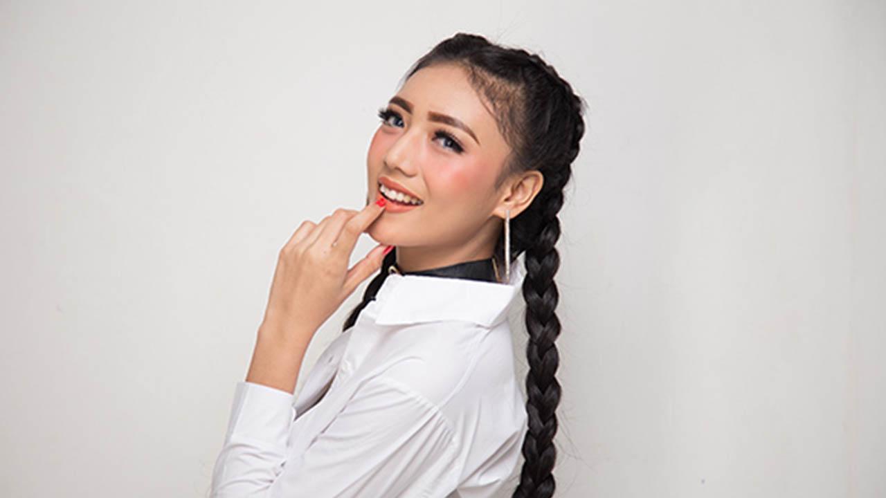 Dilza Promo Single Seseorang di Hatimu ke Liputan6