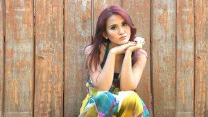 Megghi Diaztawa Bawakan Konco Mesra Versi Indonesia