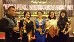 Neng Oshin, Fitri Carlina & Eddy Law Peduli Anak Indonesia