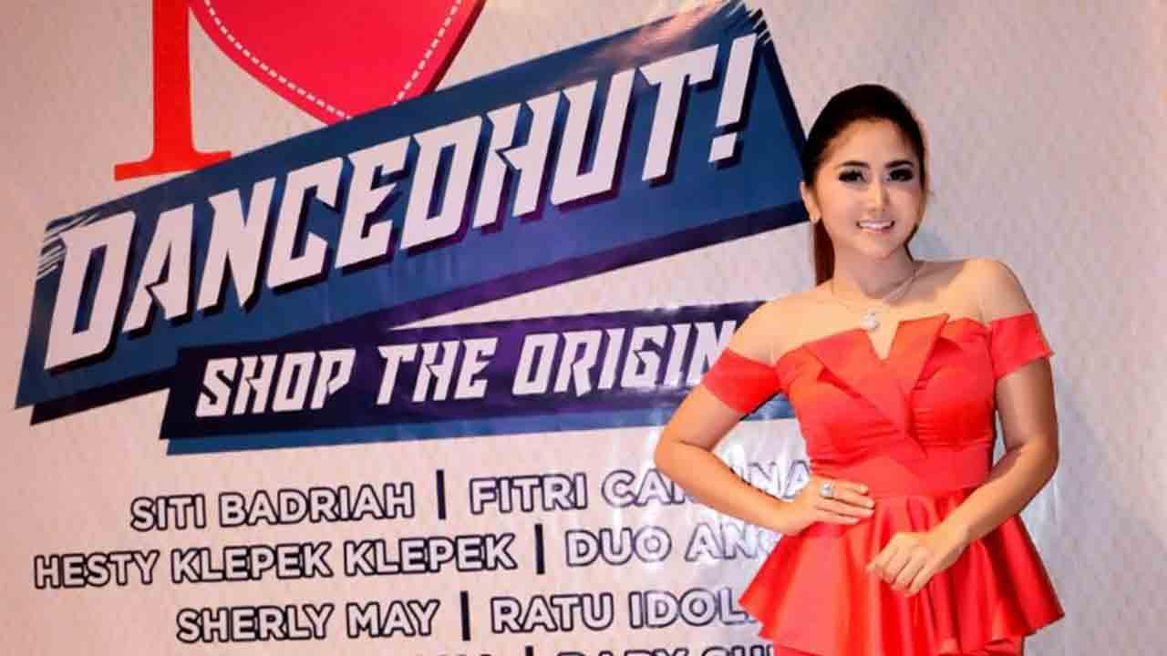 Ratu Idola Diantara Diva Dangdut