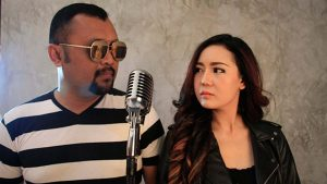 Eddy Law Feat Neng Oshin Bawakan Single Adinda