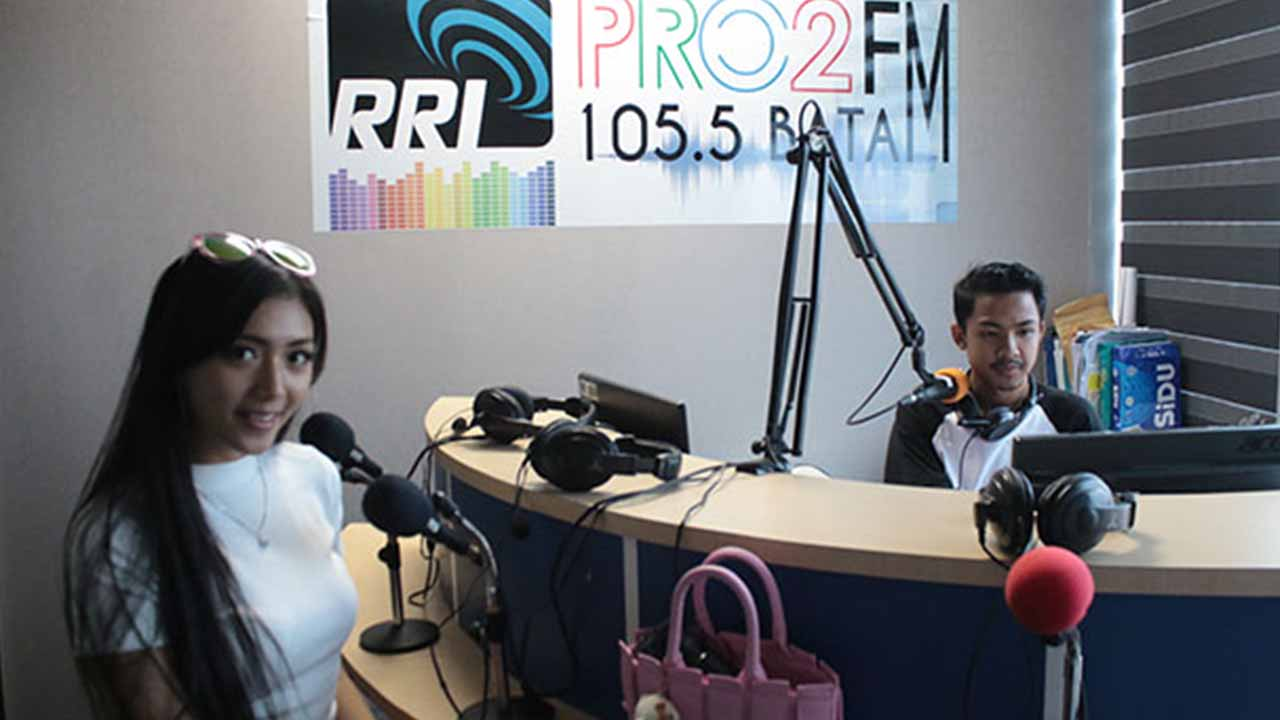 Dilza Visit Radio Sampai Soft Launching