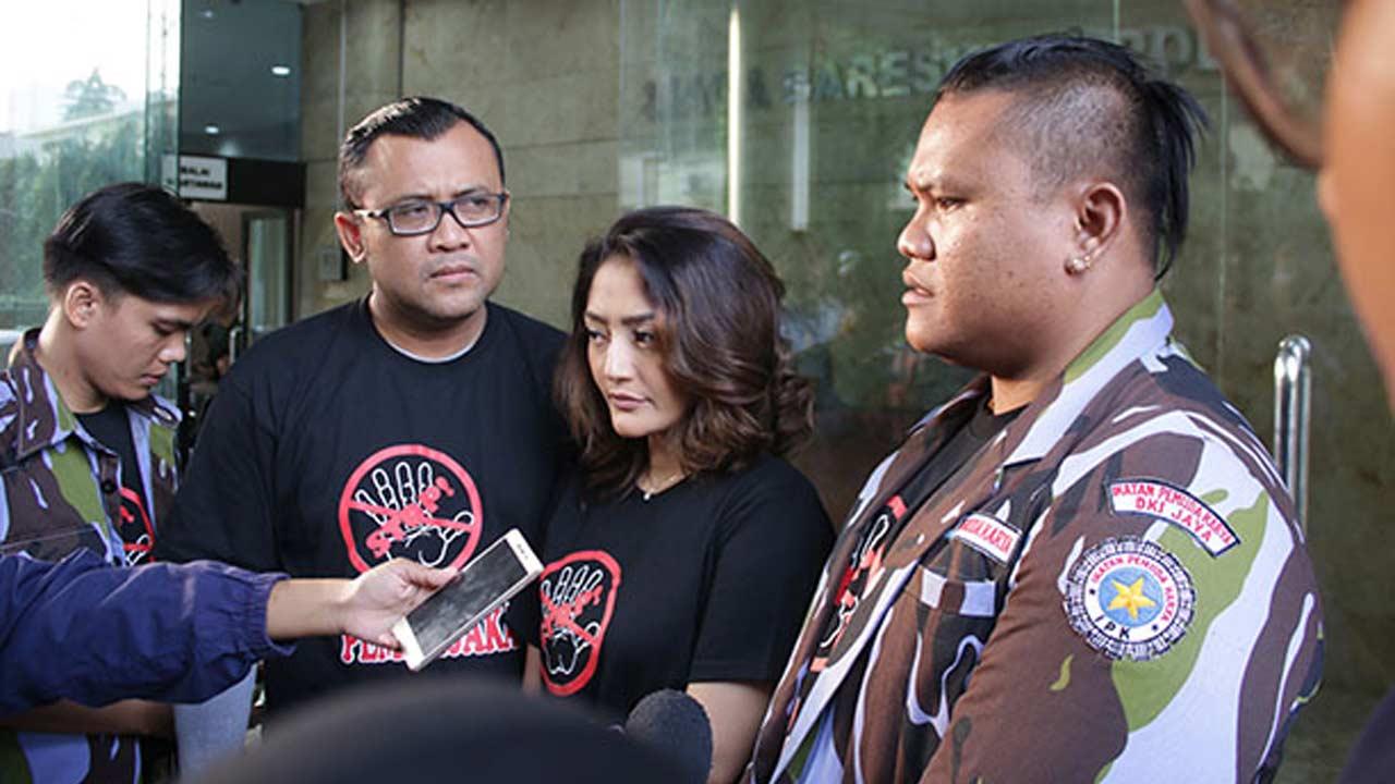 Eddy Law & Siti Minta Dukungan Polisi Hapuskan Pembajakan