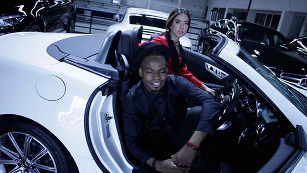 Magic Jeslin dan Langston Hues Syuting Video Klip Dengan Mobil Sport Mewah