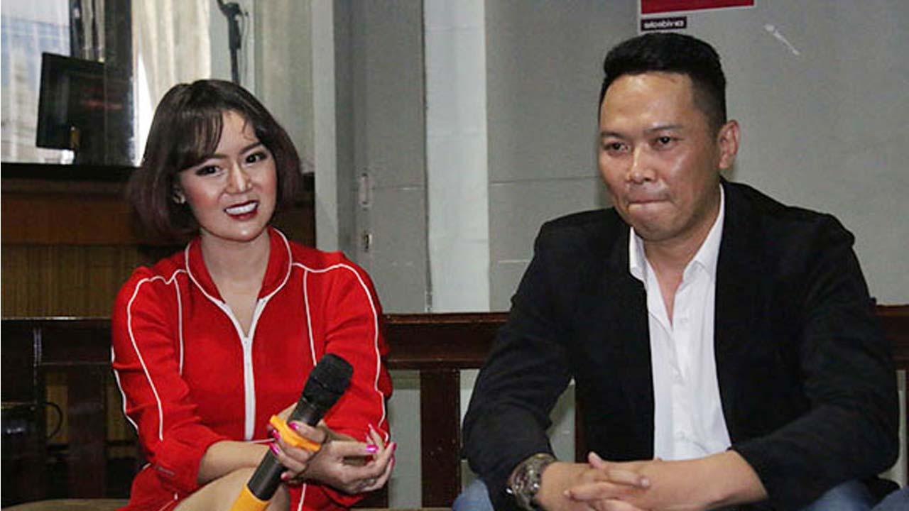 Karaoke Neng Oshin Berharap Lancar dan Berkembang