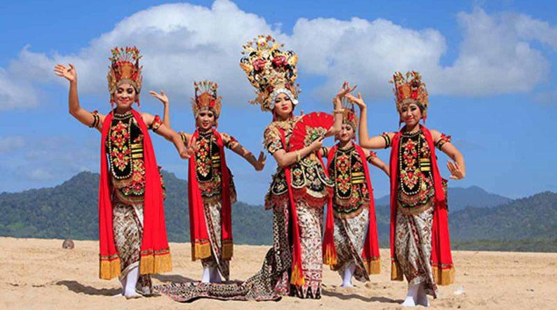 Fitri Carlina Wisata Indonesia