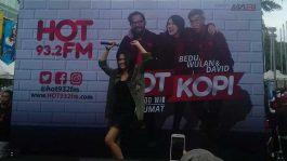 Meggy Diaz Senam Hot FM di Senayan