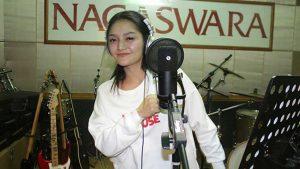 Siti Badriah Bawakan Lagu Jawa Aku Kudu Kuat
