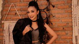 Monica Selvia Bawa Rasa Pantura di Genre Dancedhut