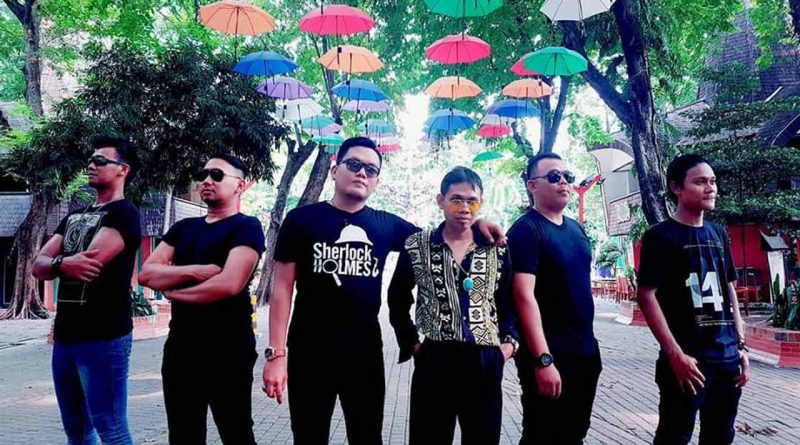 DeRama Band Jadikan Balena Model Video Klip