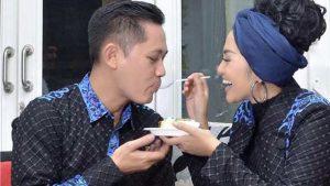 Fitri Carlina Dapat Kejutan Suami dan Keluarga Tercinta
