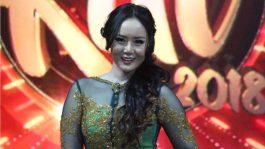 Peserta Kontes Nyanyi Dangdut di Mata Neng Oshin
