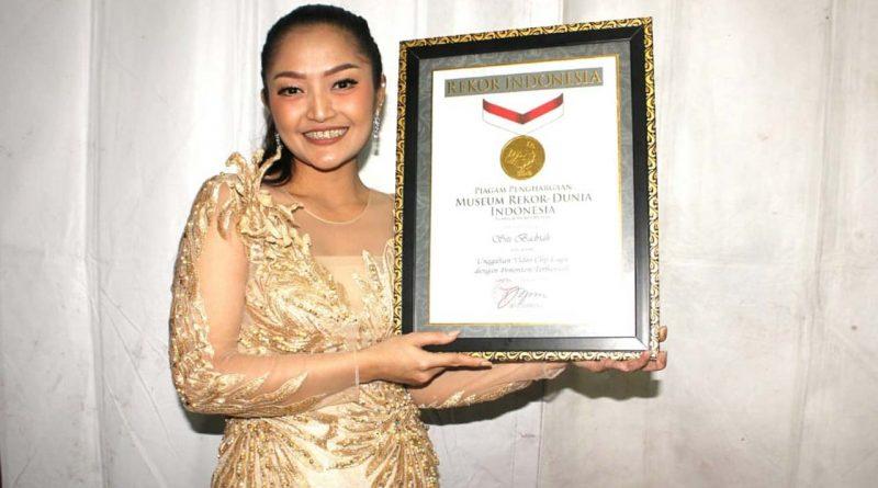 Sibad Dapat Penghargaan Rekor MURI Untuk Klip Lagi Syantik
