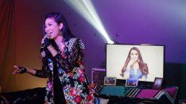 Fitri Carlina Cerita Perjuangan di Acara Streaming Langit Musik
