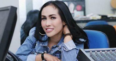 Paska Kecelakaan, Ratu Meta dan Ibunda Liburan ke Bali