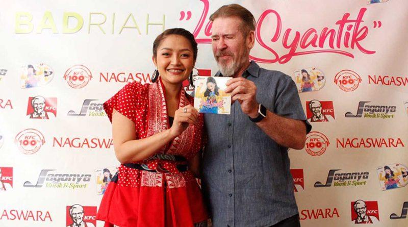 Steve Lillywhite Siti Badriah Bisa Makin Dikenal Dunia
