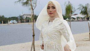 Dilza Sisipkan Puisi di Singel Religi Perdana