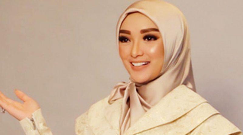 Zaskia Gotik Sedih Jika Ramadhan Datang