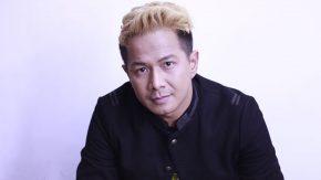 Delon Foto Session Kolaborasi Dengan DJ Jepang